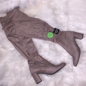 Liz Claiborne over the knee tan boots. Size 6. NWT